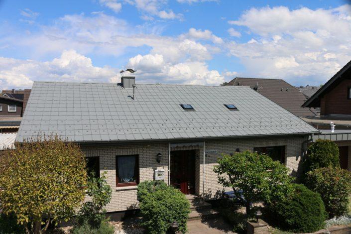 Prefa Dach - Straßenseite